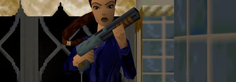 Lara Croft, dans sa salle de bain, prête à nous abbatre !
